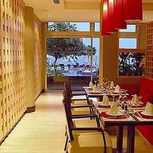 Apollonia Beach Hotel in Limassol