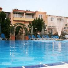 Apollonia Holiday Apartments in Paphos
