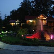 Apple Valley Resort in Bhuntar