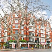 Apt No 9 in London