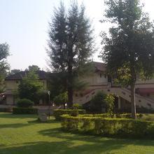 Aquaserene Tourist Complex in Amboli