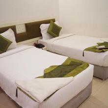 Arihant Hotel in Sururnagar