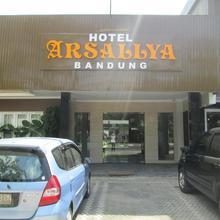 Arsallya Hotel in Cileunyi