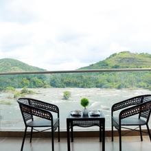 Athirapilly River Resort in Chalakudi