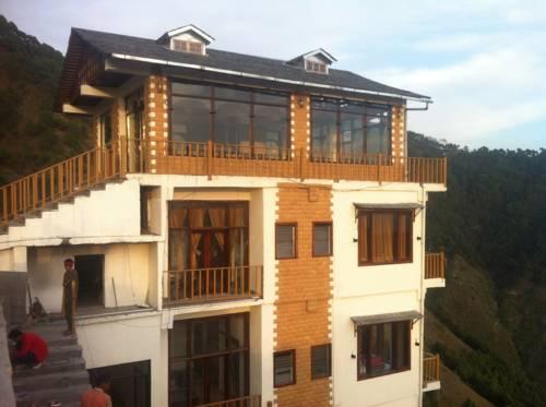 Atithis Resort in Khajjiar