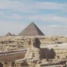Atlantis Pyramids Inn in Cairo