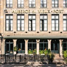 Auberge Du Vieux Port in Montreal