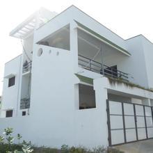 Auro White Villa in Auroville