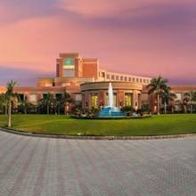 Aveda Hotel - Ludhiana in Jassowal