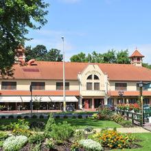 Aventinus Hotel in Nyirtura