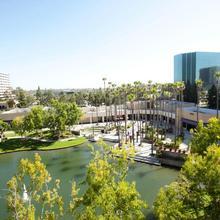 Avenue Of The Arts Costa Mesa, A Tribute Portfolio Hotel in Santa Ana
