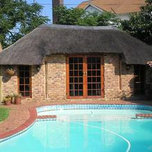 Avon Road Guest House & Tours in Boksburg