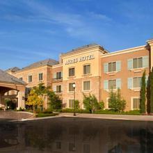 Ayres Hotel Chino Hills in La Verne