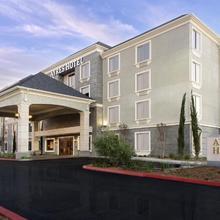 Ayres Hotel Huntington Beach/fountain Valley in Anaheim