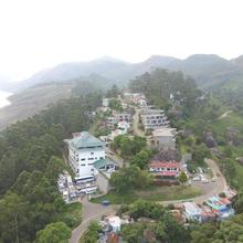 Ayur County Resort in Udumbanshola