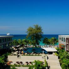 B-lay Tong Beach Resort in Kathu