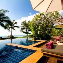 Baan Phulay Luxury Beachfront Villa in Ban Bang Po