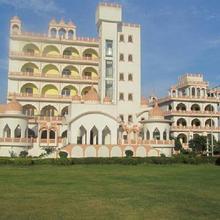 Badhal Heritage Resort in Boraj