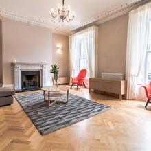 Baggot Street Apartment in Dublin