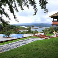 Banasura Island Resort in Tariyod