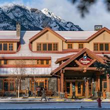 Banff Ptarmigan Inn in Banff