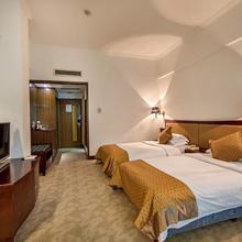 Baodao Exhibition Center Hotel in Wuyishan