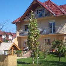 Barki Apartman in Szakony