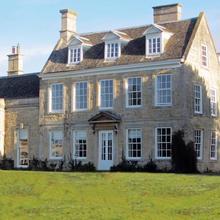 Barton Hall Hotel in Brigstock