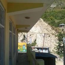 baspa guest house 2 in Sangla