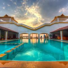 Beach Street Eco Resort & Spa in Chopdem