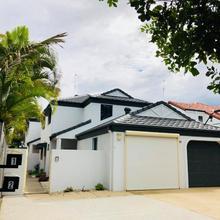 Beachside Duplex in Gold Coast