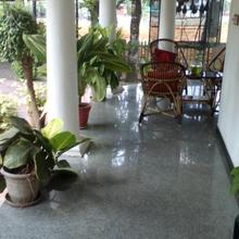 Beautifully Landscaped Villa In Kottayam Town With Gardens N Swans in Kottayam