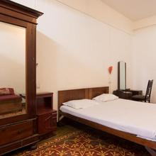Bed And Breakfast At Colaba in Nagaon