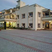 Bedi Dream Land Hotel And Resort in Faizabad