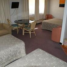 Belconnen Way Hotel/Motel and Serviced Apartments in Hawker