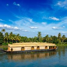 Best Luxury Houseboat, Kerala in Alappuzha