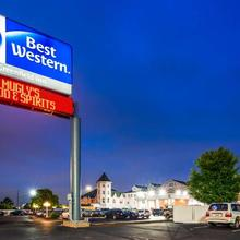 Best Western Greenfield Inn in Windsor