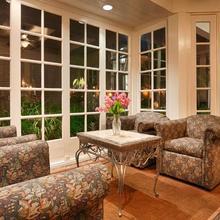 Best Western Lamplighter Inn & Suites At Sdsu in San Diego