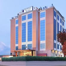 Best Western Maryland Hotel in Dera Bassi