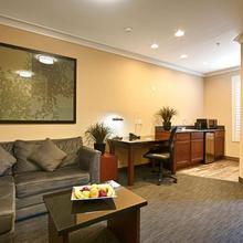 Best Western Plus Avita Suites in San Pedro