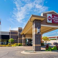 Best Western Plus Bloomington Hotel in Bloomington