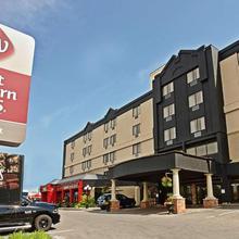 Best Western Plus Cairn Croft Hotel in Niagara Falls