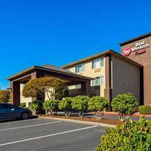 Best Western Plus Cascade Inn & Suites in Troutdale