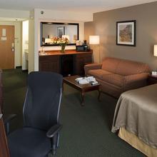 Best Western Plus Cedar Bluff Inn in Knoxville