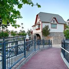 Best Western Plus Hill House in Bakersfield