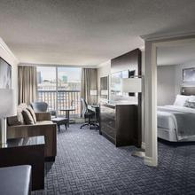 Best Western Plus Ottawa Downtown Suites in Gatineau