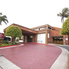Best Western Plus Redondo Beach Inn in Torrance