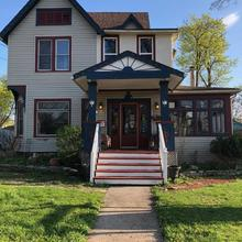 Blue Gables Bed And Breakfast in Niagara Falls