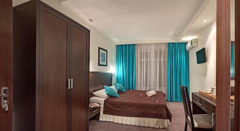 Blue Lagoon Hotel in Supsekh