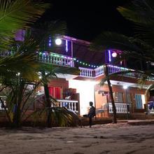 Blue Sea Beach Home's in Tarkarli